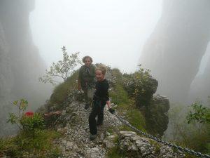 Dwie turystki na szlaku na Resegone