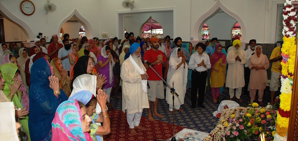 Giani Rann Singh leading the ardaas at Gurdwara Sahib Malacca - Photo HARNARINDER SINGH HARRY