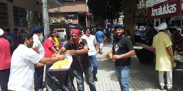 Chabeel seva in progress in Kuala Lumpur.