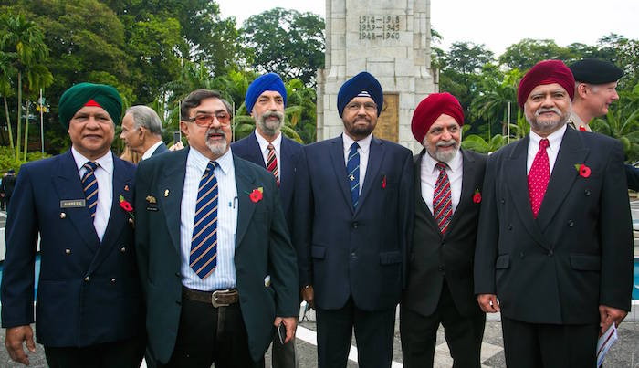 RETIRED MALAYSIAN ARMED FORCES OFFICERS: (L-R) Lt. Col (Rt) Amreek Singh, Maj (Rt) Harjit Singh Rendawa, Maj (Rt) Harwan Singh, Brig Gen Dato Ranjit Singh Gill (RMAF), Lt Col Mohan Singh Rendawa (RMAF), Maj Gen Datuk Ranjit Singh Ramday. - JESMESH PHOTOGRAPHY