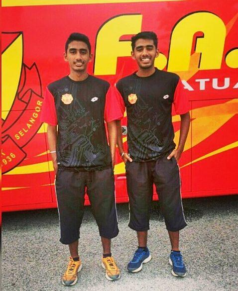 Gurmeshjit Singh (right) with his twin brother Rashmeshjit Singh