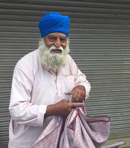Kashmir cloth trader Swaran Singh - PHOTO / SAMEEN KHAN