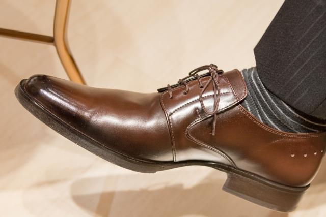 男の足の臭いの原因