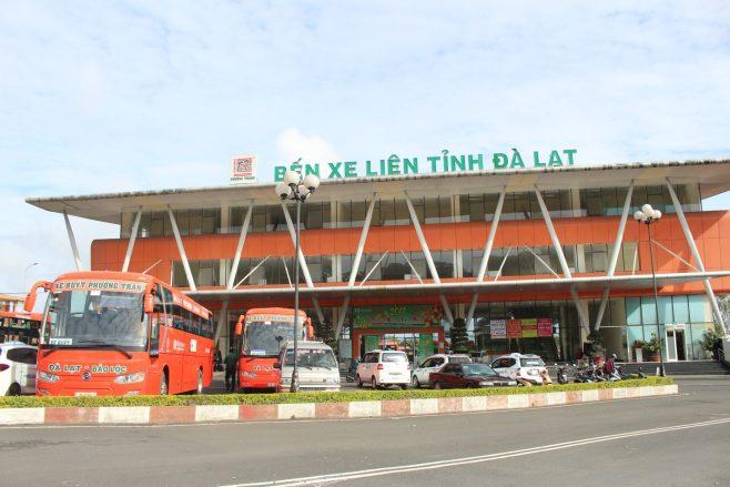 Phuong Trang bus Da Lat to Nha Trang - Da Lat station