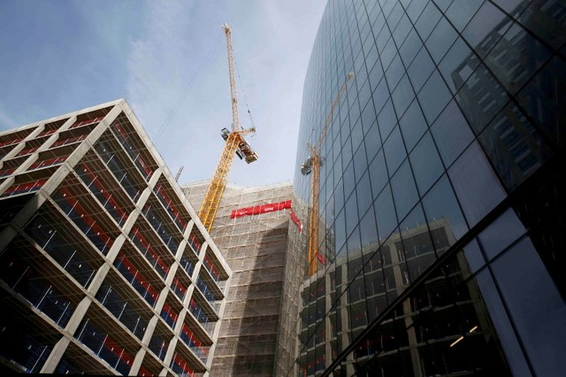 Piling in... Hong Kong investors gobbled up London reat estate in the first quarter. Photo: Reuters