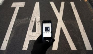 Uber takes one step forward, two steps back. Photo: Reuters, Sergio Perez