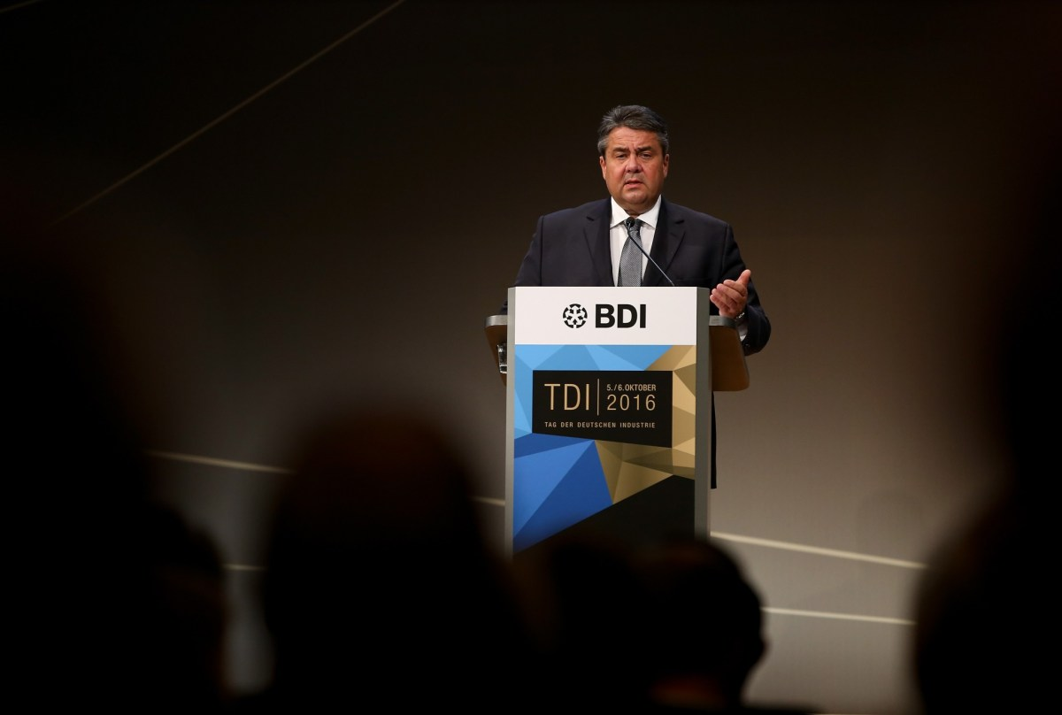 German Economy Minister Sigmar Gabriel had previously called for a Europe-wide safeguard clause to stop foreign takeovers of firms whose technology is deemed strategic for the future economic success of the region. Photo: Reuters/Fabrizio Bensch