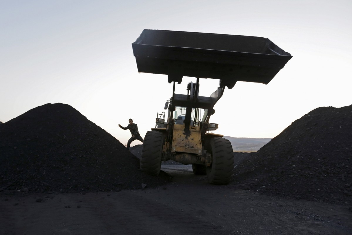 A coal depot on the outskirts of Jixi, in Heilongjiang province. Photo: Reuters/Jason Lee