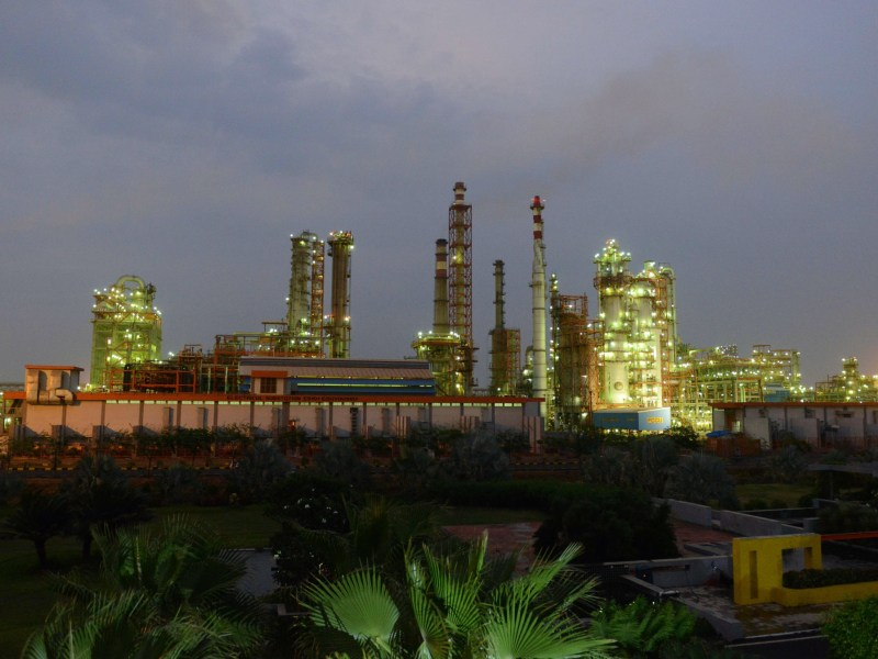 Essar Oil's refinery at Vadinar village, near Jamnagar, in India. Photo: AFP