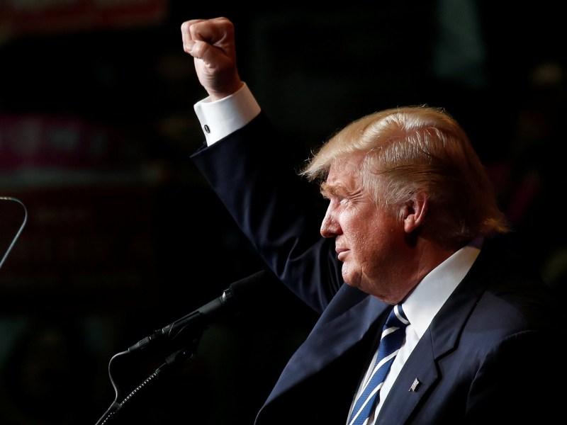 Republican presidential nominee Donald Trump holds a campaign event in Eau Claire, Wisconsin, November 1, 2016. Photo: Reuters/Carlo Allegri