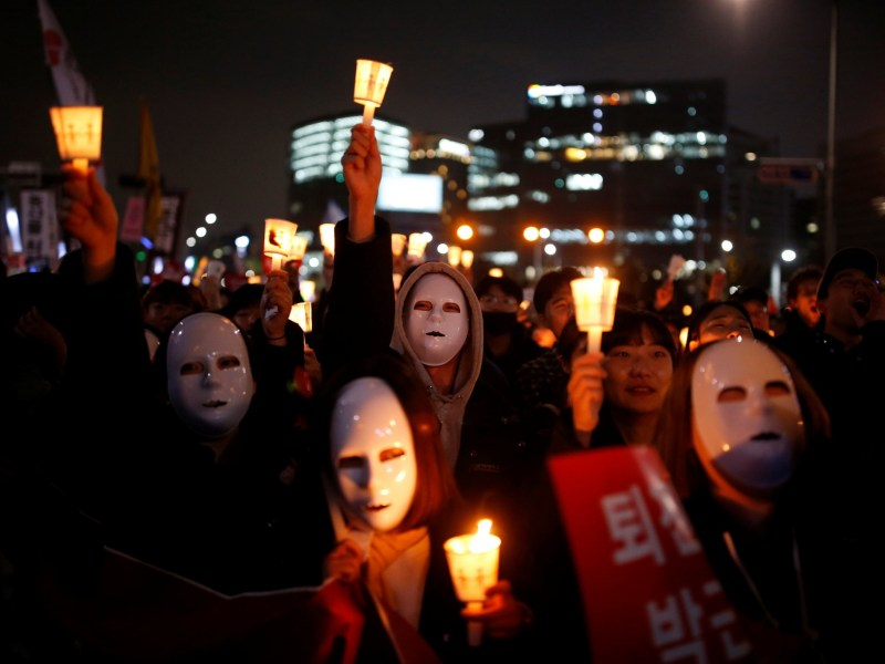 Protesters gather on downtown Seoul demanding President Park's resignation. Photo: Reuters