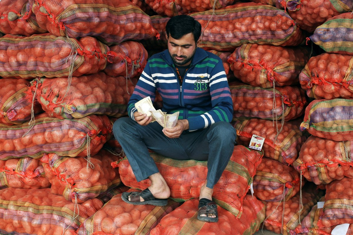 Some farmers and small businesses say India's informal credit system has ground to a virtual halt. Photo: Reuters/Mukesh Gupta