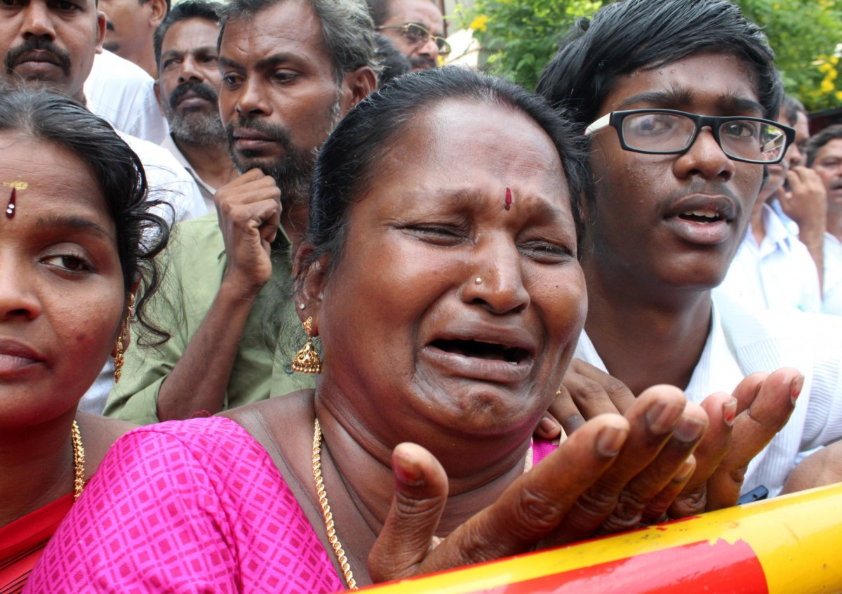 A well wisher of Tamil Nadu Chief Minister Jayalalithaa Jayaraman cries outside a hospital where Jayalalithaa is being treated in Chennai, India, December 5, 2016. Photo: Reuters/Stringer