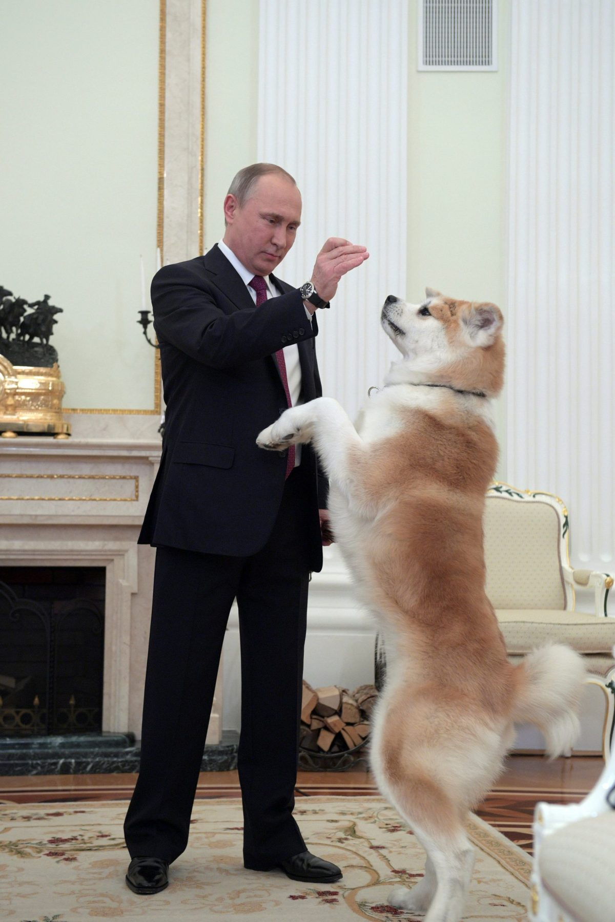 Vladimir Putin (left). Photo: Reuters