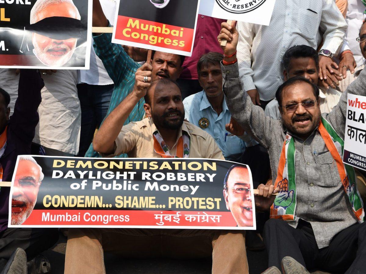 Demonetisation, an example of post-truth politics? Photo: Indranil Mukherjee/AFP