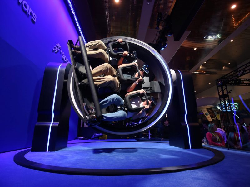 Attendees try out the Samsung Gear VR 4D Experience during the 2017 CES in Las Vegas, U.S., January 5, 2017. REUTERS/Steve Marcus