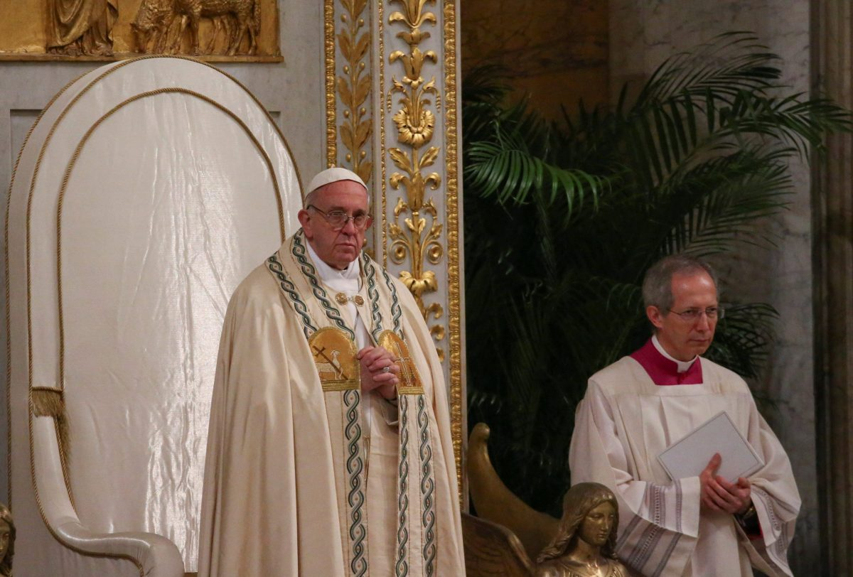 Pope Francis leads prayers at the Basilica of Saint Pau. Photo: Reuters / Alessandro Bianchi