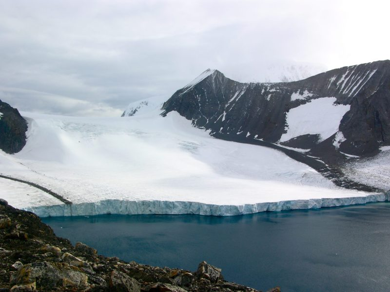 A glacier in Antarctica. Photo: Wikimedia Commons