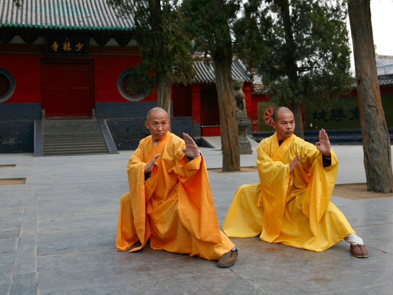 Two grandmasters of the Shaolin Temple Shi DeRu (Shawn Xiangyang Liu) and Shi DeYang (Shi WanFeng) who are two decedent disciples of the late Great Grand Master of the Shaolin Temple Shi SuXi. Photo: Wikipedia