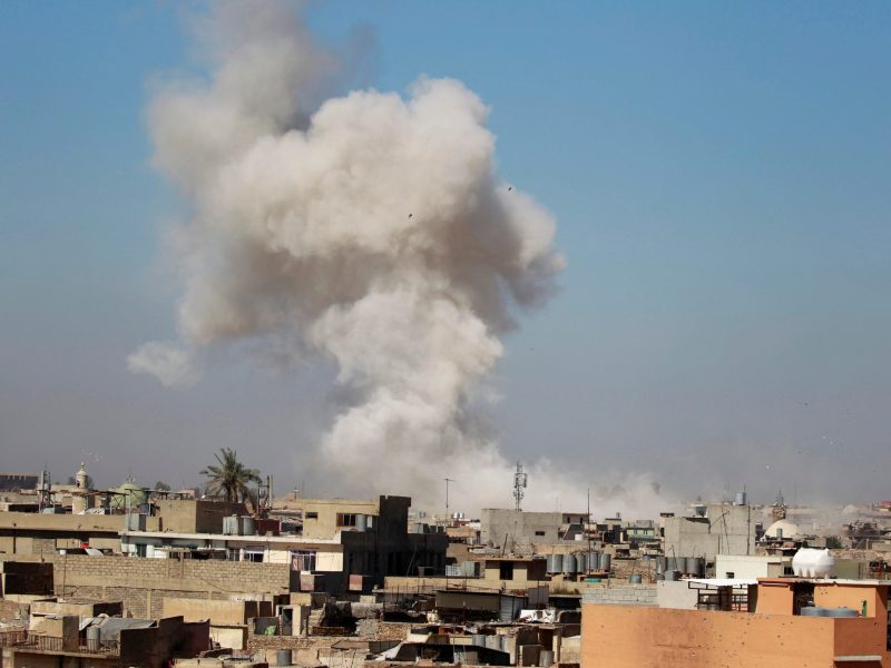 Smoke rises over Mosul during clashes between Iraqi forces and Islamic State militants. Photo: Reuters/Khalid al Mousily