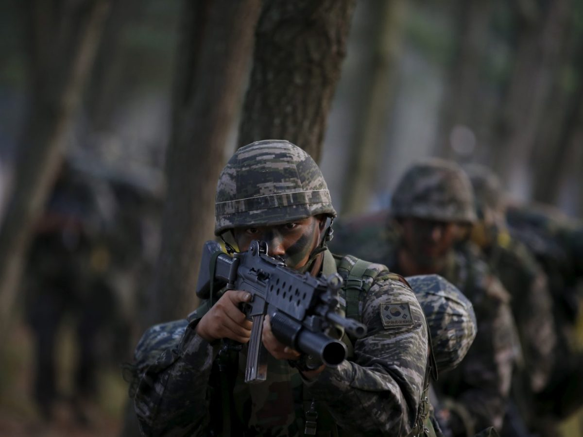 South Korean Marines take part in a landing operation drill. Photo: Reuters / Kim Hong-Ji