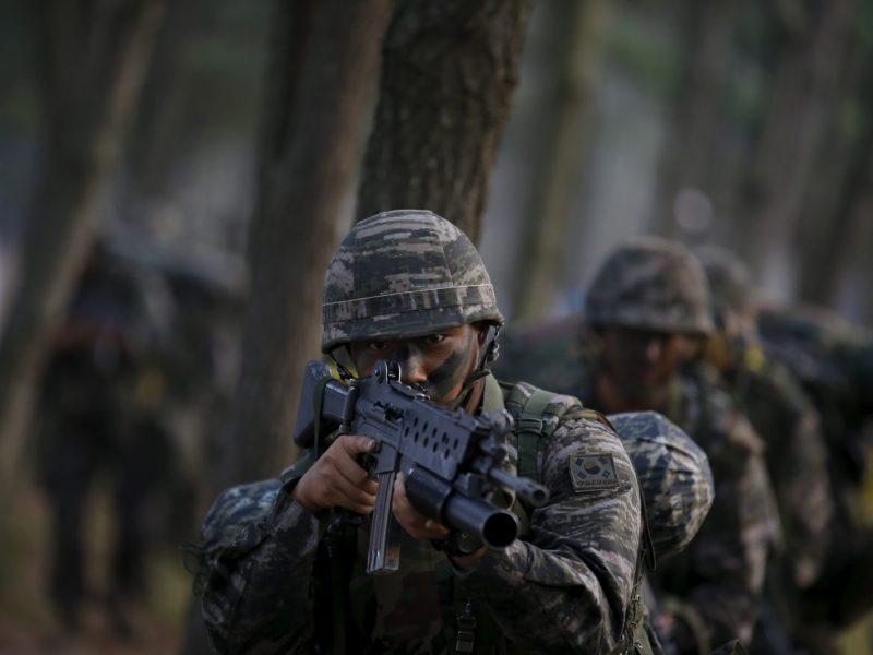 South Korean Marines take part in a landing operation drill. Photo: Reuters / Kim Hong-Ji