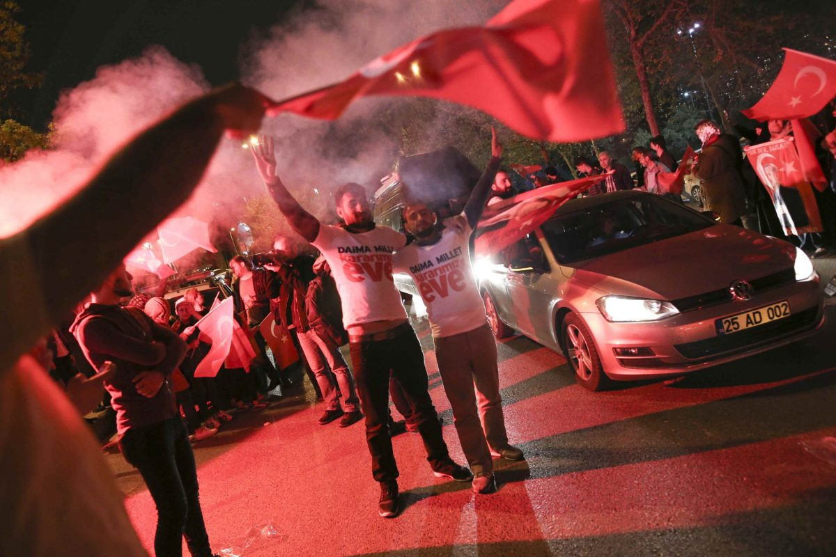 Supporters of Turkish President Recep Tayyip Erdogan celebrate in Istanbul following his referendum victory. Photo: Reuters / Alkis Konstantinidis