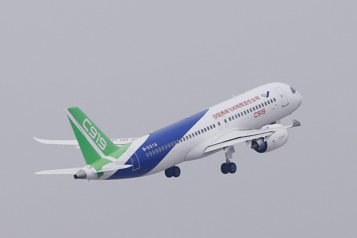 China's home-grown C919 passenger jet takes off from the Pudong International Airport. Photo: Reuters/Aly Song