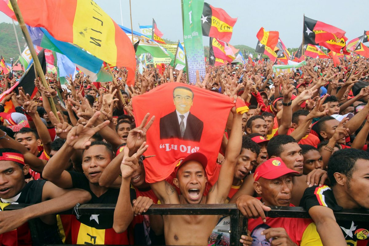Supporters of presidential candidate Francisco Guterres of the Revolutionary Front for an Independent East Timor (FRETILIN) party cheer at a campaign rally ahead of next week's elections, in Tasi Tolu, Dili, East Timor March 17, 2017. Photo: Reuters/Lirio da Fonseca