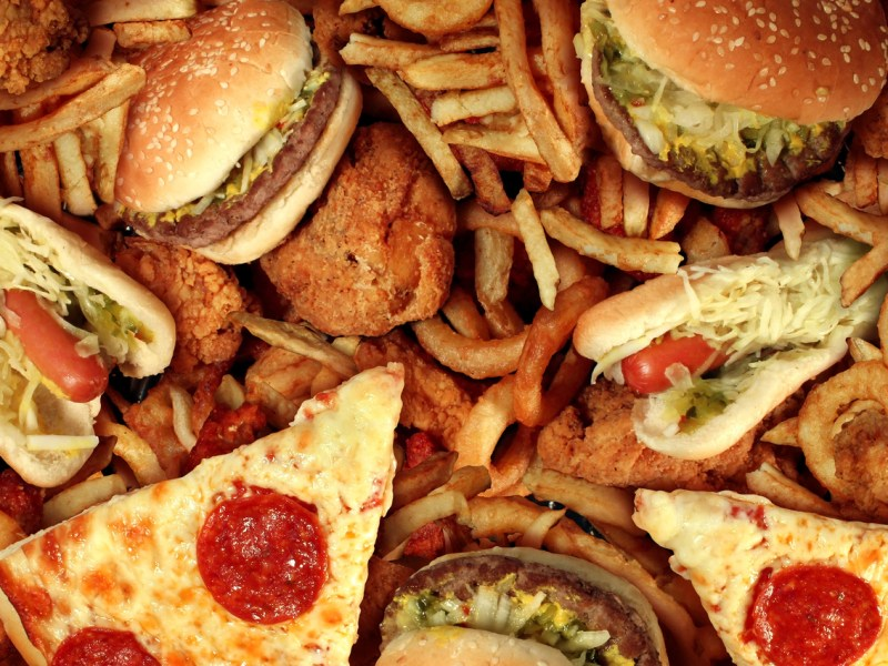 Pizza, burgers and other unhealthy foods are no longer available at schools in Maharashtra . Photo: iStock
