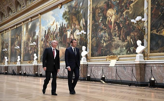 Macron plays host to Russia's Putin at Versailles. Photo: Kremlin handout