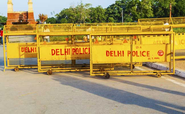 Police in New Delhi erected security barricades in advance of International Yoga Day. Photo: NDTV