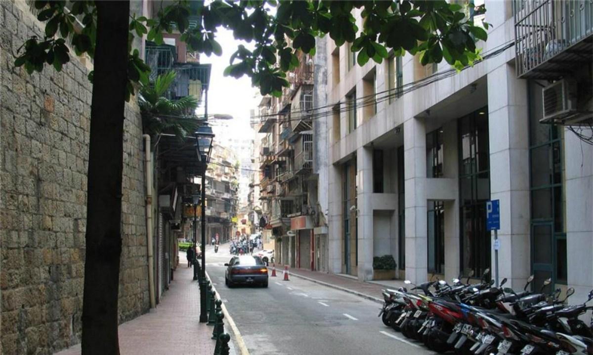 Rua de Sao Lourenço, Macau. Photo: macaostreets.iacm.gov.mo