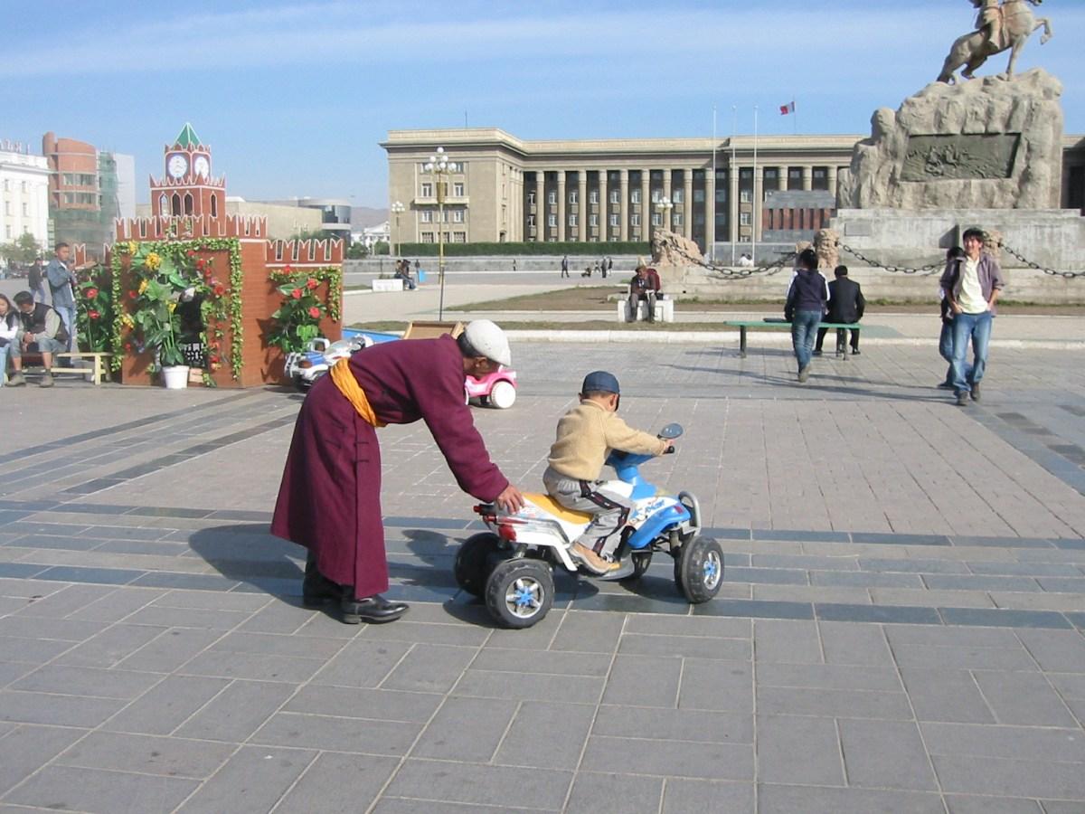 How to steer Mongolia's economy?  Photo: Peter Langan