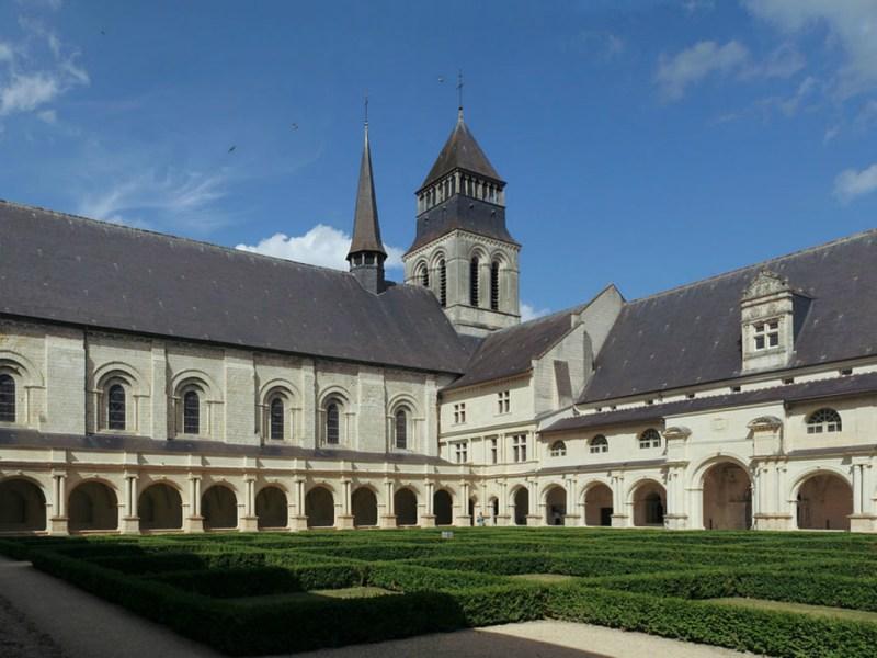 Fontevraud Cloître du Grand-Moûtier. Photo: Wikimedia Commons