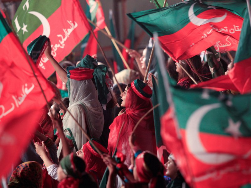 Supporters of opposition leader Imran Khan's PTI political party attend a celebration rally in Islamabad on July 30, 2017, after the Pakistani Supreme Court disqualified prime minister Nawaz Sharif. Photo: Reuters / Faisal Mahmood