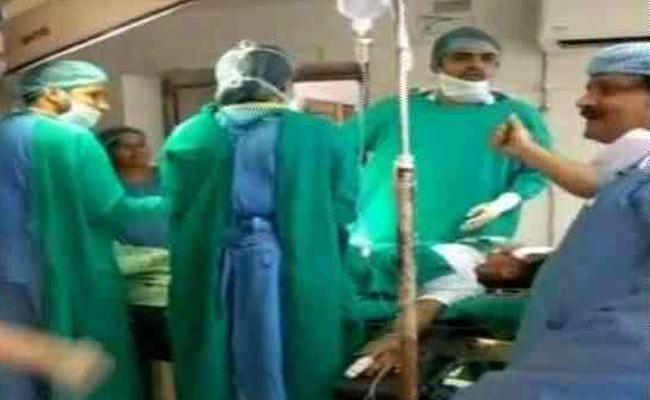 A screen grab of the incident at Jodhpur's Umaid Hospital. Image: NDTV