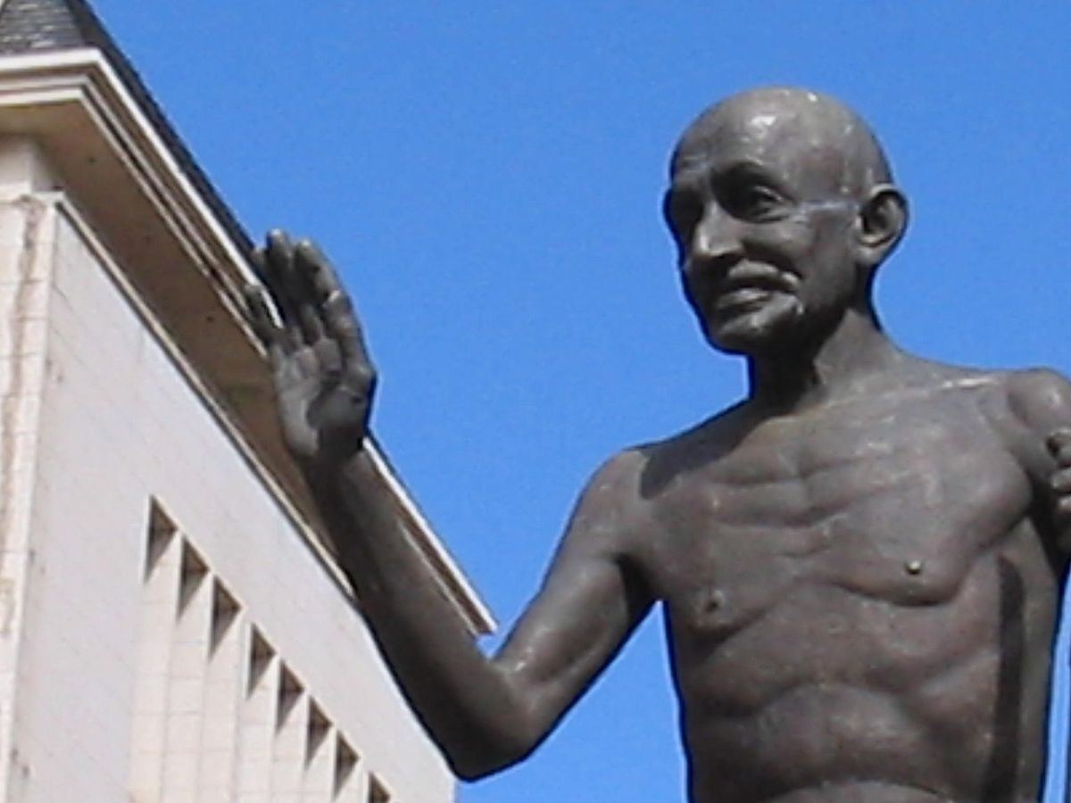 A statue of Mahatma Gandhi in the center of downtown Pietermaritzburg, South Africa, where he was thrown off a train on the night of June 7, 1893 for refusing to move from a whites-only rail car. Photo: Wikimedia Commons