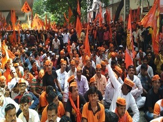 Thousands of Maratha protesters marched in Mumbai on Wednesday. Photo: India.com