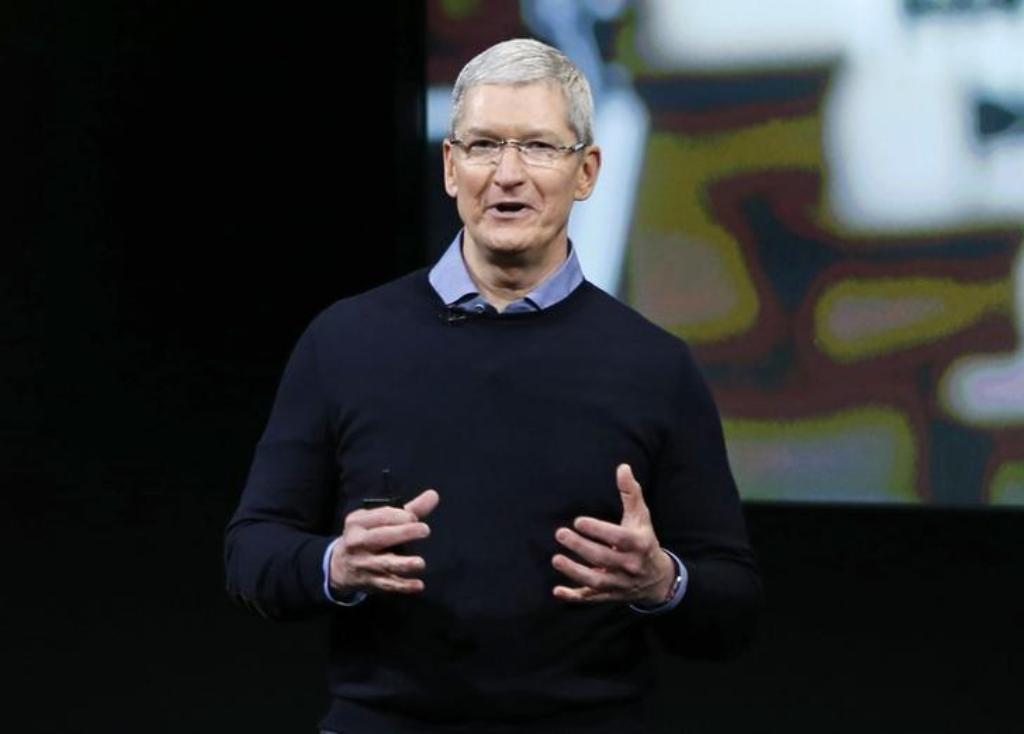 Apple CEO Tim Cook _ Reuters