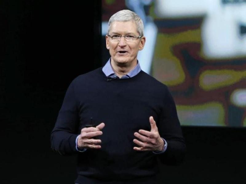 Apple CEO Tim Cook _ Reuters