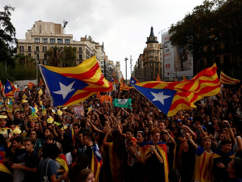 A minority of Catalan citizens favored independence until recently, but Madrid's handling of the crisis has played into the hands of separatists. Photo: Reuters/Juan Medina