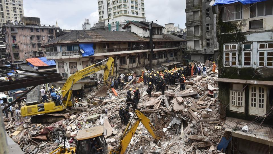 The collapse of the residential building in Mumbai's Bhendi Bazaar area has been blamed on torrential rains. Photo: Hindustan Times