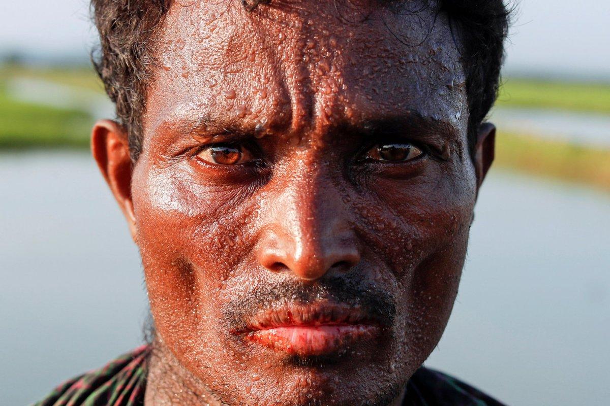 A Rohingya refugee man at the Bangladeshi side of the Naf river after crossing the border from Myanmar, near Palang Khali, October 16, 2017. Photo: Reuters/Jorge Silva