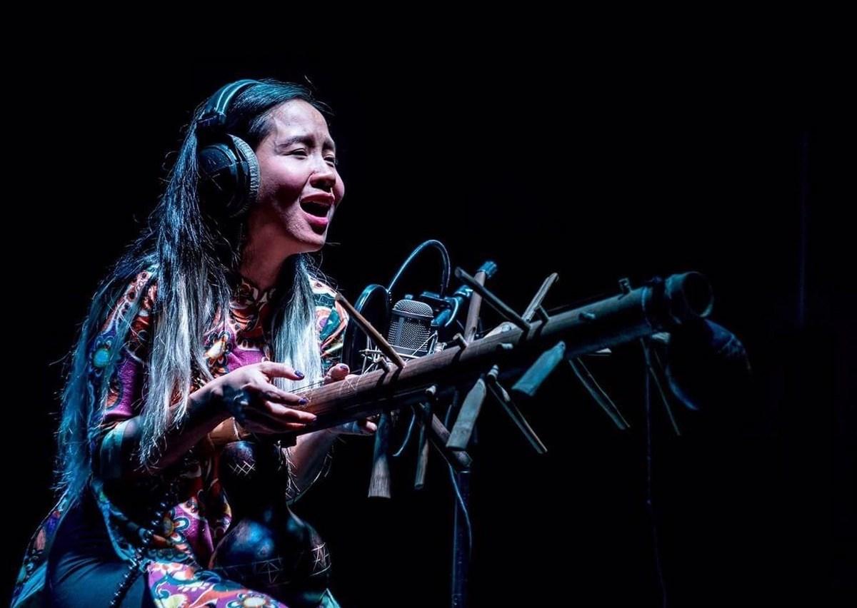 Vietnam-Mai Khoi-Song Writer-Artist-September 2017