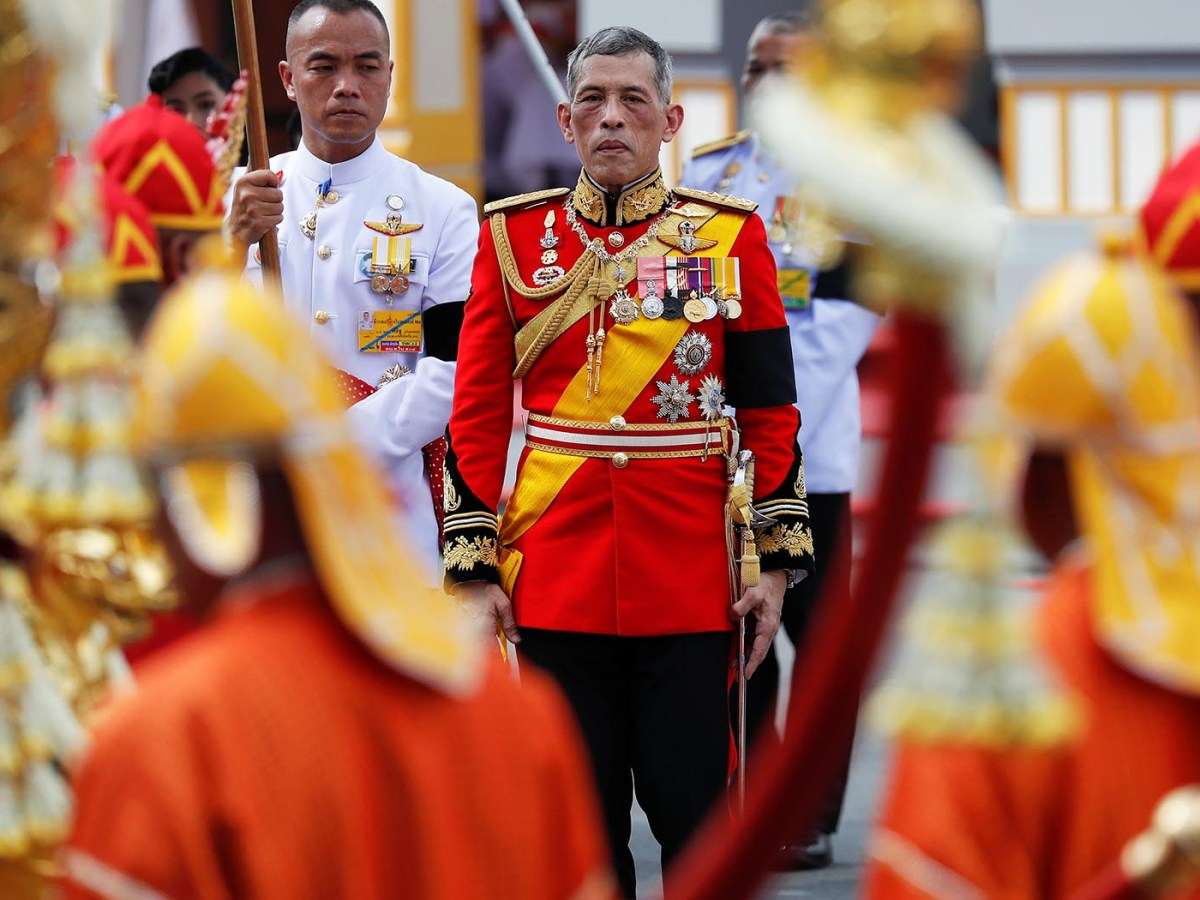 Thailand's King Maha Vajiralongkorn takes a part in the royal cremation procession of late King Bhumibol Adulyadej at the Grand Palace in Bangkok on October 26, 2017.   Photo: Reuters / Damir Sagolj