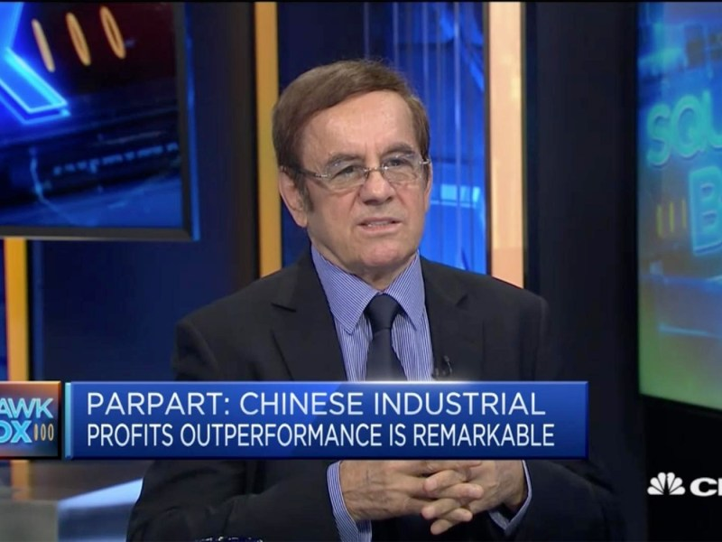 Capital Link International chief strategist Uwe Parpart discusses the potential of Chinese banks on CNBC's Squawk Box with Bernie Lo. Photo: CNBC screen grab