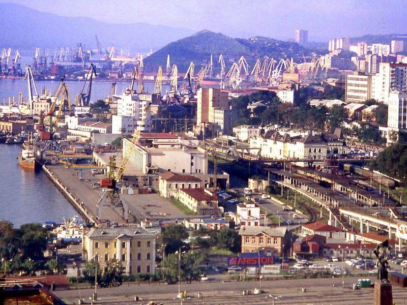 Vladivostock harbor. Photo: Wikimedia Commons