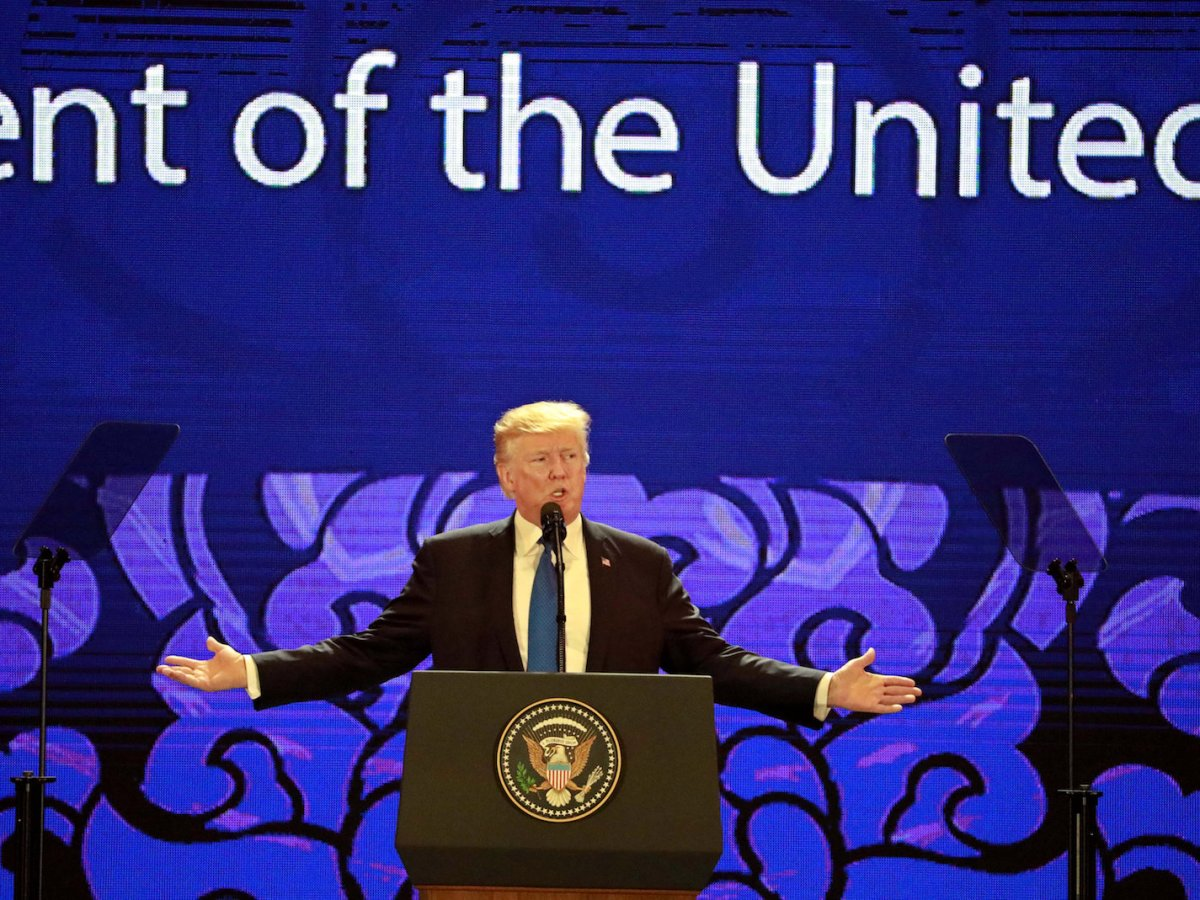 US President Donald Trump speaks on the final day of the APEC CEO Summit ahead of the Asia-Pacific Economic Cooperation (APEC) leaders summit in Da Nang, Vietnam, on November 10, 2017. Photo: Reuters / Nyein Chan Naing / Pool