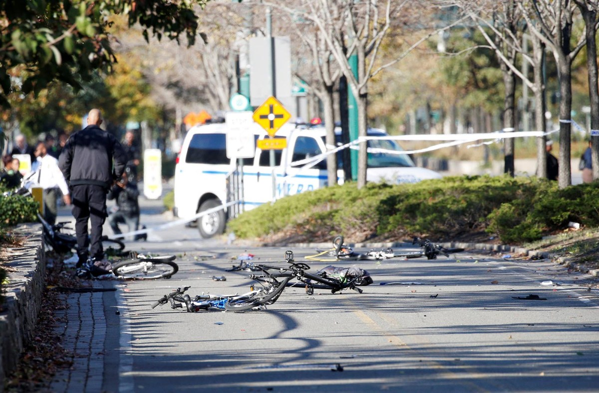 Multiple bikes are crushed along a bike path in lower Manhattan in New York on October 31, 2017.  Photo: Reuters / Brendan McDermid